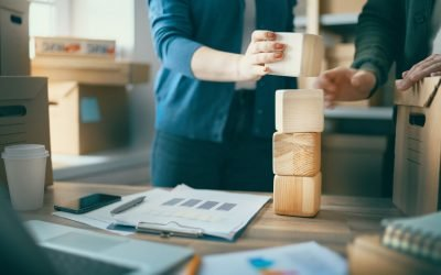 Inventory Management: Minimum Order Size and Volume Discounts